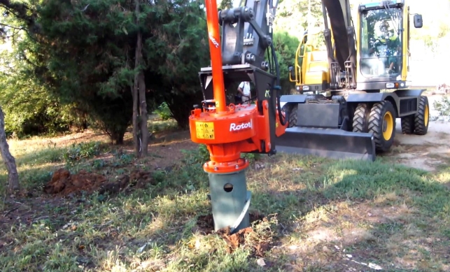 this image shows residential tree service in lake forest